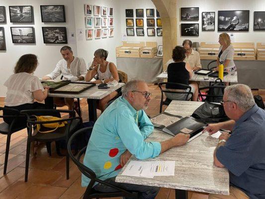 Lectures de portfolios Off 2021-2 © Arles exposition