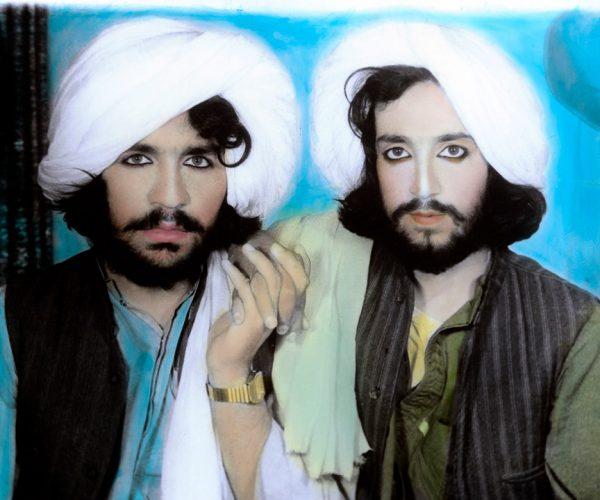 ©Thomas Dworzak- Portrait de Talibans. Kandahar, Afghanistan. 2002/ Magnum Photos